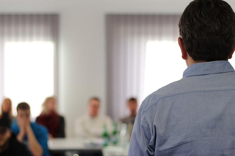 Die Organisation einer Wohnungseigentümerversammlung ist sehr wichtig. Organisation und Ablauf muss gut geplant sein.
