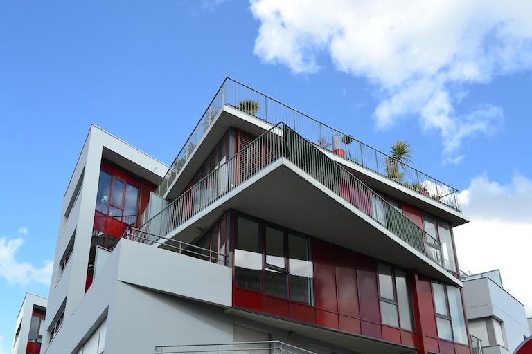 Mit Immobilien Geld verdienen passives Einkommen